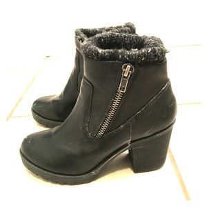 Nine West Black Boots (size 5M)